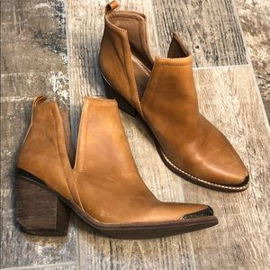 Jeffrey Campbell Cromwell Bootie Size 9.5